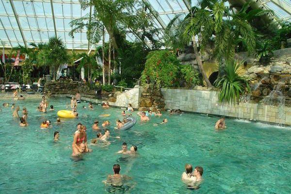 https://www.fijnuit.nl/blog/dagje-uit-zwemmen-bij-center-parcs-de-eemhof-aqua-mundo Een heerlijk dagje uit zwemmen bij Center Parcs de Eemhof. Lees hier wat je allemaal kunt verwachten
