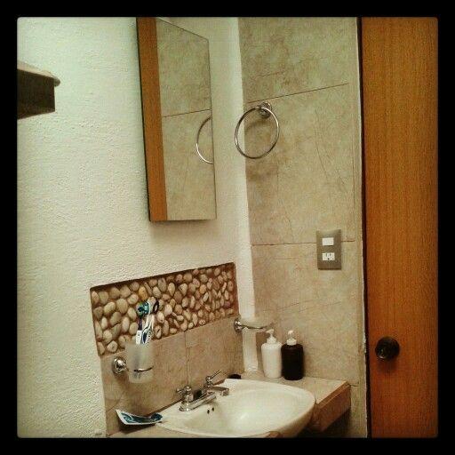 lavabo forjado sobre base de concreto revestido en lambrin y murete de piso cermico tipo mrmol with lavabos de marmol para bao