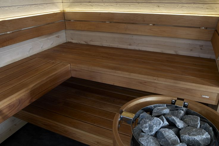 Harvia Solide design sauna is also available with Scala benches. The lower bench spanning from wall to wall and the streamlined upper bench give the sauna a modern look. Also Scala is available with separate benches which can be placed freely on the wide lower bench. The material options are heat-treated aspen and heat-treated pine. #harviasolide #harvia #designsauna #harviascala #saunainterior #saunabenches #natural #wood