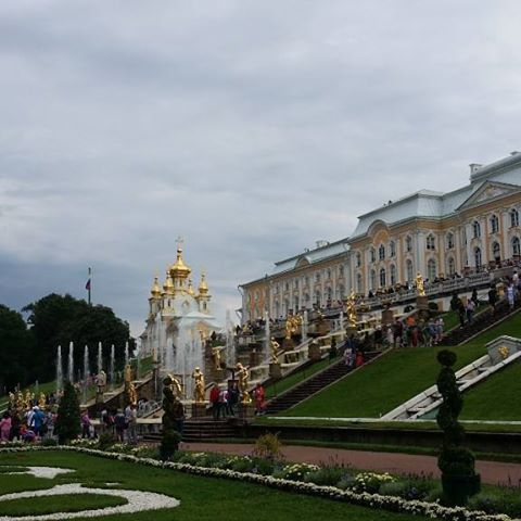 http://www.traveldumps.com The lovely Peterhof Palace #Stpetersburg #russia #travel #travelphotography