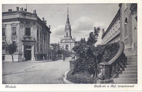 Deák tér a református templommal