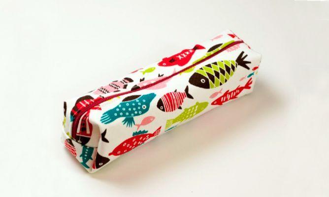 Aprende cómo coser un estuche para los lápices con la tela que más te guste. ¡Perfecto para ir a clase!