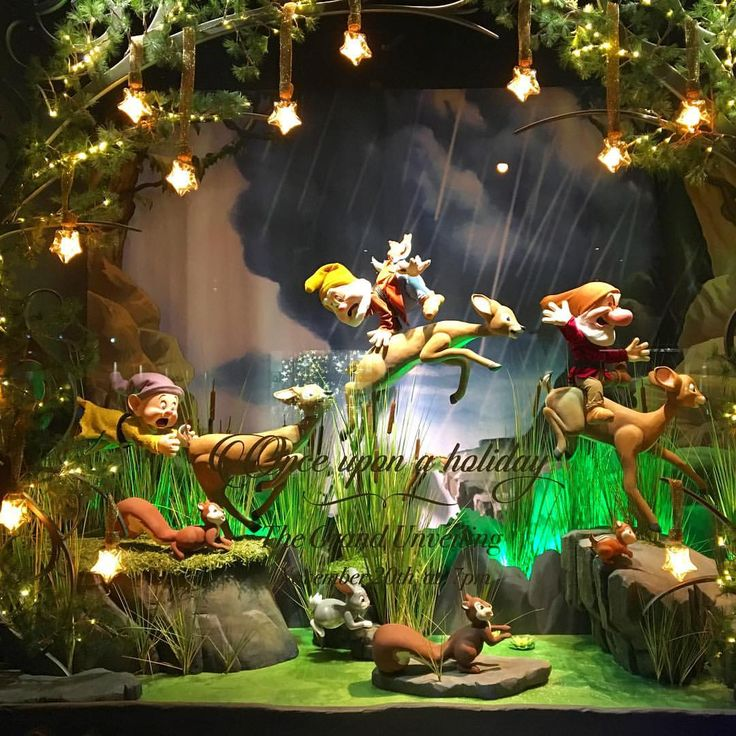 """SAKS FIFTH AVENUE, New York, """"The Seven Dwarfs"""", (We whistle while we Work), photo by Raylin Dsuarez, pinned by Ton van der Veer"""