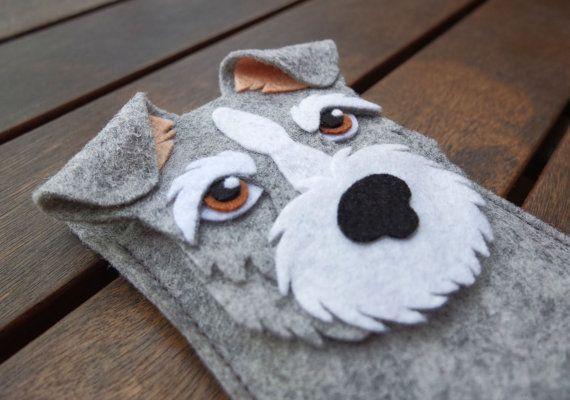 Items similar to Funda iPhone Schnauzer - Funda teléfono perro - Hecha a mano fieltro lana gris on Etsy