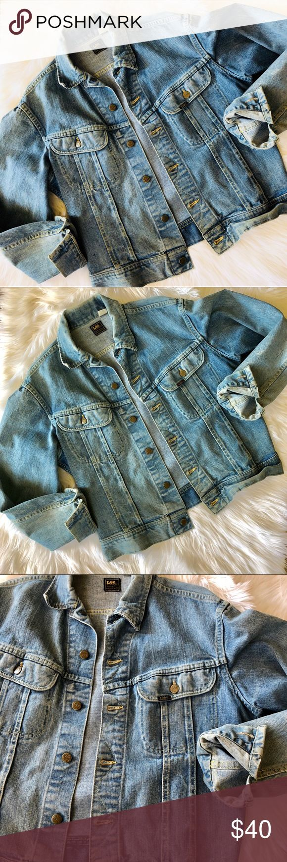 Lee Riders Vintage Retro Denim Jacket Lee Riders Vintage Retro Denim Jacket Fits a Men S/M Or Women's Oversized S or M Lee Jackets & Coats