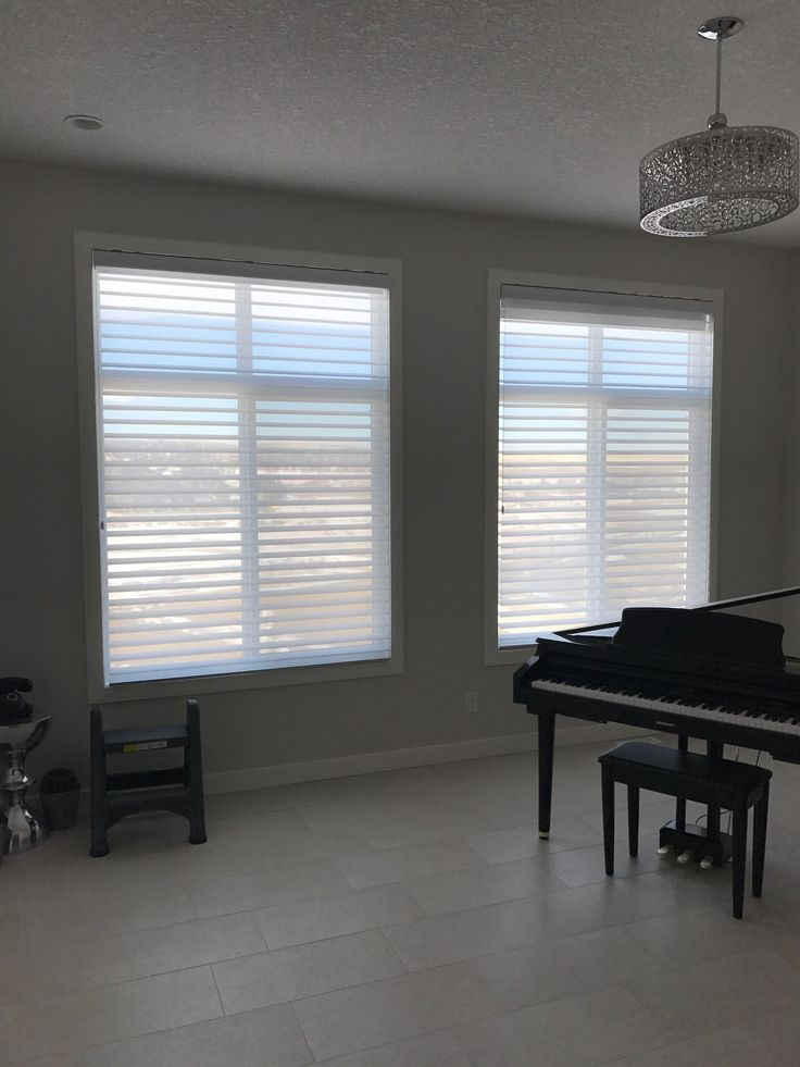 Sharing an updated window install from our in-home consultant Aaron today! These Sillouettes from Hunter Douglas were a great choice. Silhouette® shadings feature soft adjustable fabric vanes that appear to be floating between two sheer fabric panels that beautifully diffuse harsh sunlight. Simply tilt the vanes to achieve your desired level of light and privacy.