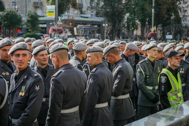 Celebration of the Independence Day of Ukraine: impressive photos of a military parade on the Khreshchatyk