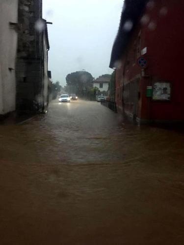 Friuli #Venezia #Giulia: #Scantinati allagati in provincia di Udine  molte le chiamate alla Protezione... (link: http://ift.tt/1szVj2H )