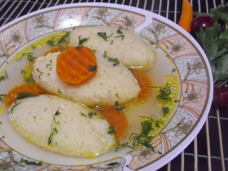 Hellena  ...din bucataria mea...: Supa de cocos cu galuste de gris