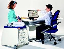 Schreibtischhöhe und Sitzhöhe für Kinder Scout Kinderbüro mit hoehenverstellbarem Schreibtisch