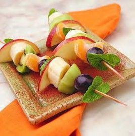 http://recetas.doctissimo.es/postres/postres-con-frutas/brochetas-de-fruta-fresca.html