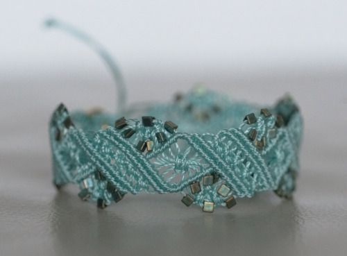 One more bracelet. Original design by Macrame School.