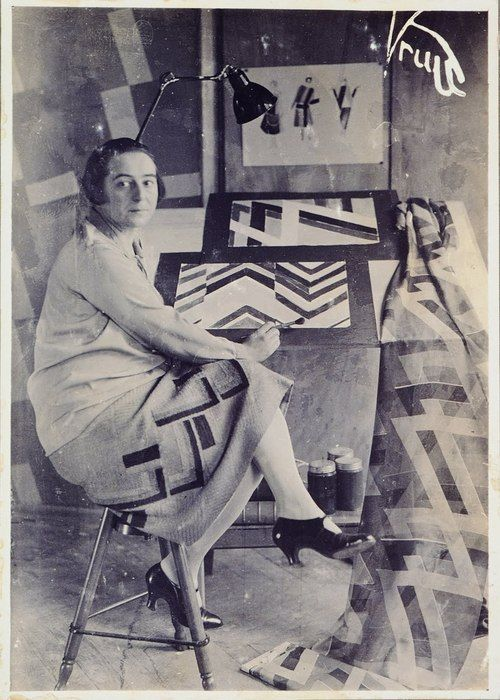 Sonia Delaunay in her Atelier 1930. She was the first living female artist to have a retrospective exhibition at the Louvre in 1964, and in 1975 was named an officer of the French Legion of Honor. Her work in modern design included the concepts of geometric abstraction, the integration of furniture, fabrics, wall coverings, and clothing.