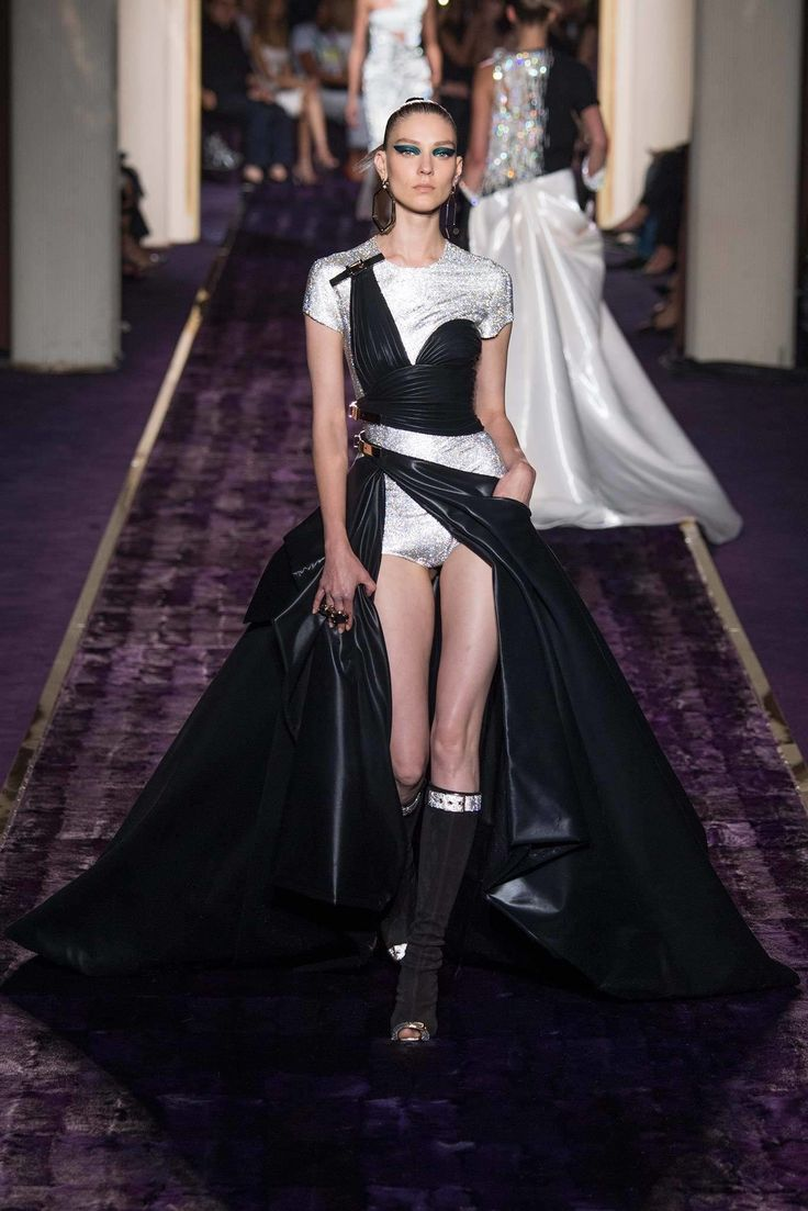 slim single billfold wallet Atelier Versace Fall 2014 Couture Collection Photos   Vogue
