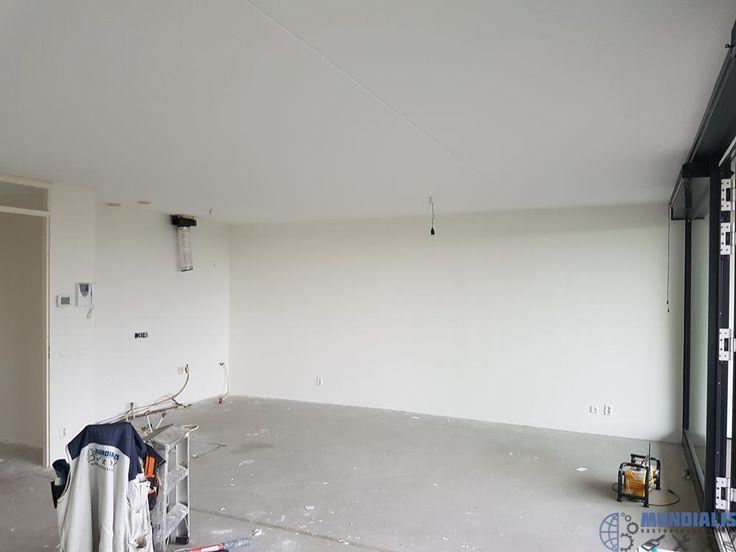 In dit appartement in venlo gaan we alles behangen en afwerken met een latex. Voor een vaste opdrachtgevergaan we dit gerenoveerde appartement alle... Behangen Appartement - Venlo
