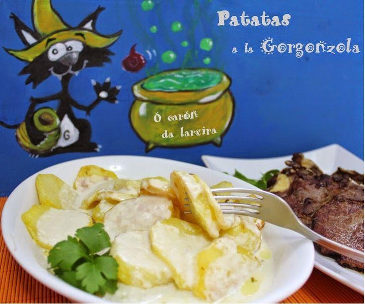 Gorgonzola es un queso azul italiano hecho con leche entera de vaca, destaca por sus vetas verdes azuladas, las cuales se deben al proceso...