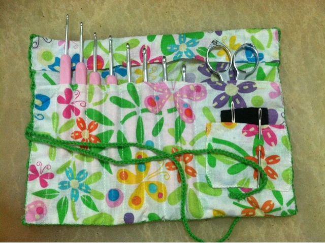 Mannabell's Project: Dompet jarum Rajut (crochet hook purse)