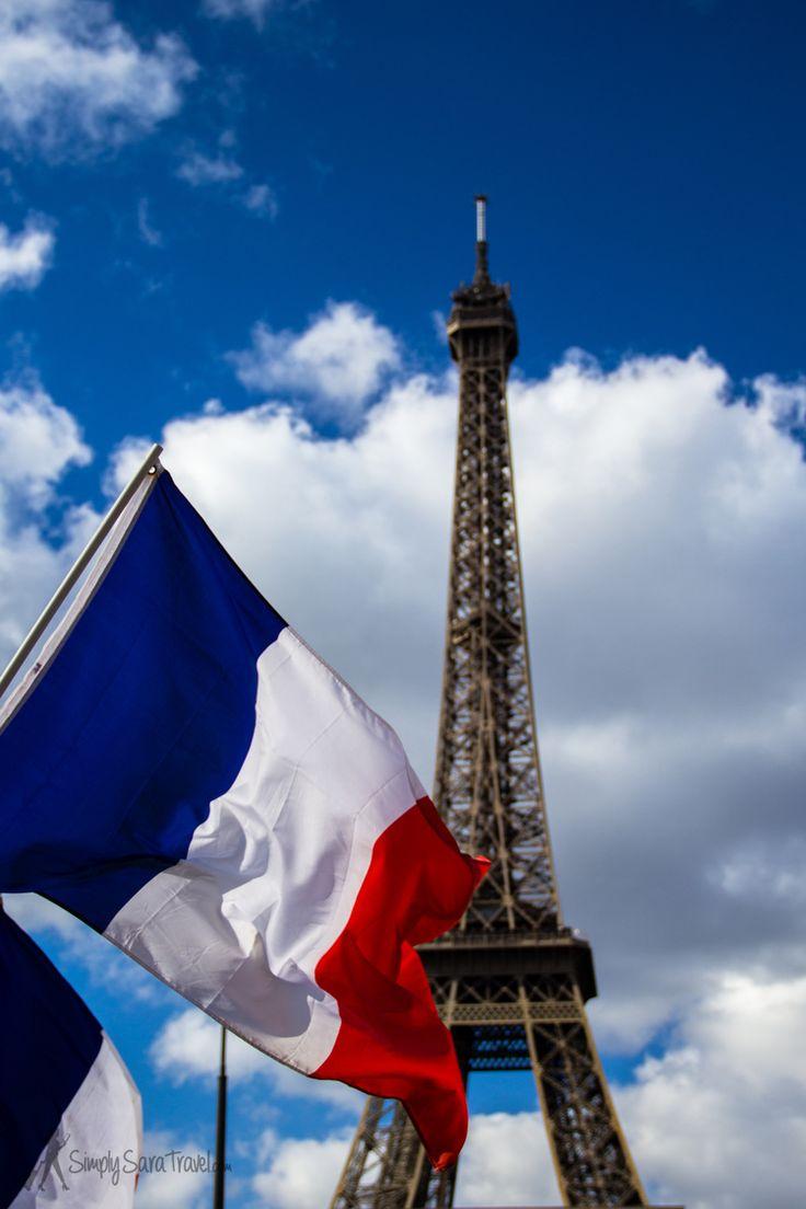 Similarité : Le drapeau de France et le drapeau de les État Unis sont rouge, bleu, et blanc. #comparaison #drapeau