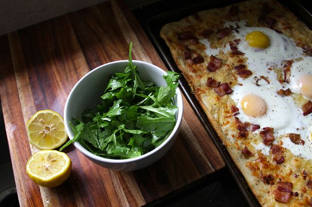 Bacon & Egg Breakfast Pizza Recipe ♥