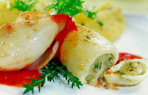 Calamari ripieni con mollica di pane - http://gustosrecetas.com/calamari-ripieni/