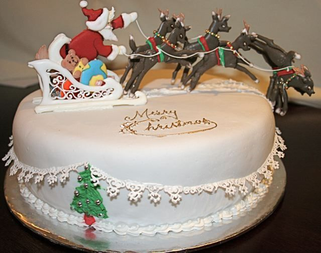 Cake Decorating Father Christmas : Father Christmas and his reindeer - Traditional fruit cake ...