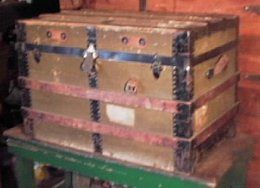 How to refinish an old trunk - everything you need to know to restore an old trunk