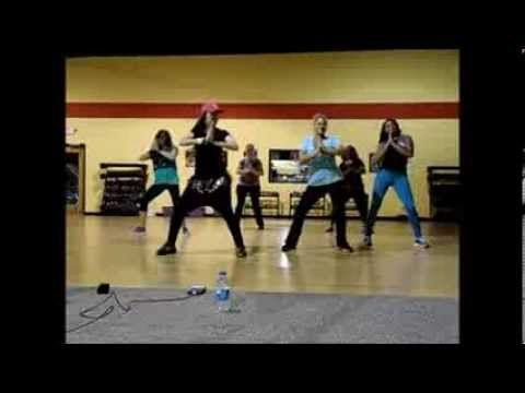 "Selena Gomez ""Come and Get It"" Zumba Routine"