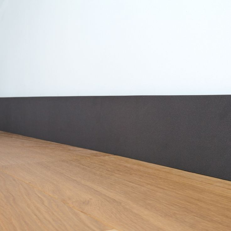 les 25 meilleures id es de la cat gorie plinthes noires sur pinterest garniture int rieure. Black Bedroom Furniture Sets. Home Design Ideas