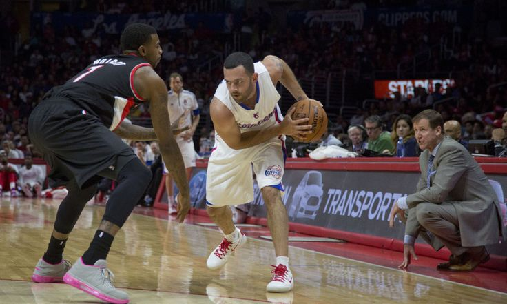 Kings sign Jordan Farmar to one-year contract = To further solve the team's depth issues at the point guard position, the Sacramento Kings have signed journeyman Jordan Farmar, according to a report from David Pick.  The 29-year-old is a natural fit having previously.....