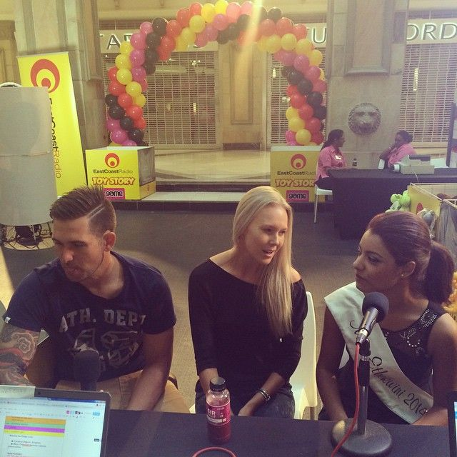 Cameron Delport, Bianca Warren and Miss Ethekwini Lizanne Lazarus all manning phones for #ECRToyStory this morning. Call them! 031-265-0147