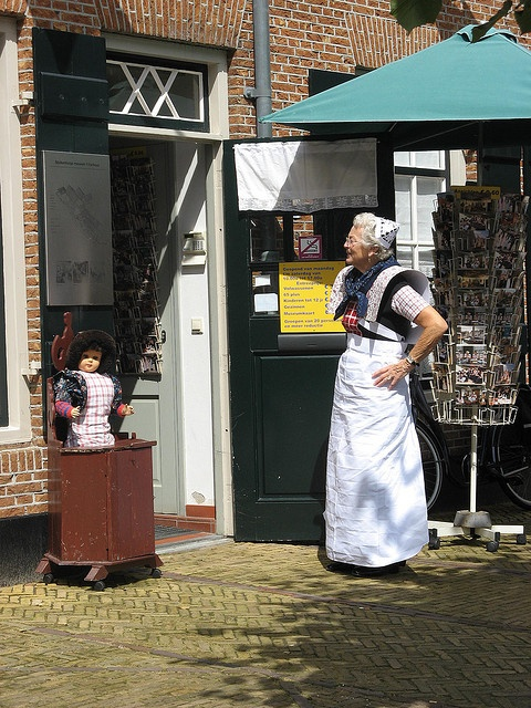 Klederdracht van Spakenburg. by Dien, via Flickr #Utrecht #Spakenburg