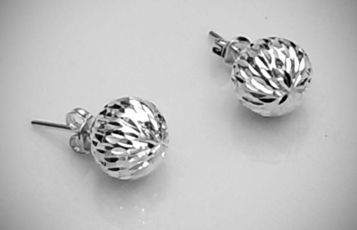 Par de Aretes de Plata .925 Redondos Diamantados con Poste y Paloma 10 mm (bola)