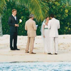 One of Hollywoods favorite couples, Jennifer Garner and Ben Afleck married on the beach in a private ceremony in Turks and Caicos in June of 2005.