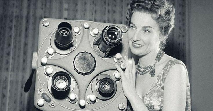 """""""La Rai, Radio Televisione Italiana, inizia oggi il suo regolare servizio di trasmissioni televisive"""". Con queste semplici parole il 3 gennaio 1954, esattamente 60 anni fa, un'emozionata Fulvia Colombo dava l'annuncio..."""