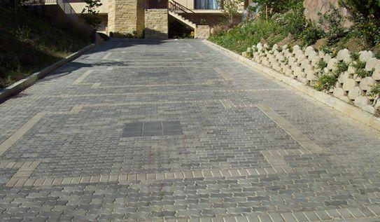 15 Paving Stone Driveway Design Ideas - DigsDigs