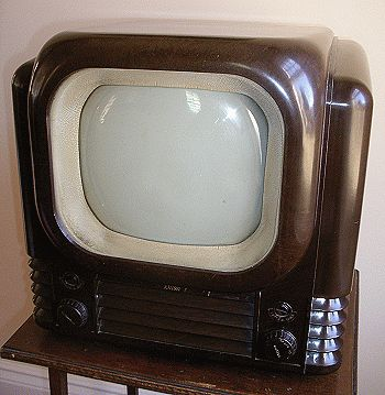 1971 Sony TV-110UK.