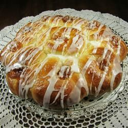 Pull-Apart Easter Blossom Bread, photo by Deb C
