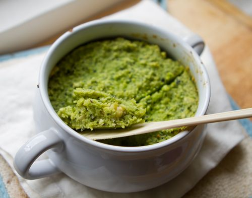 This green cashew cheese is filled with healthy kale leaves and creamy cashews.
