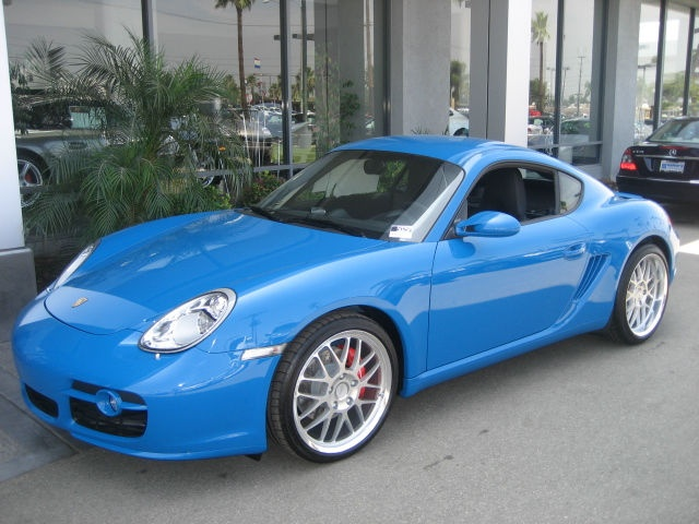 09 Cayman S in turquoise blue or Mexico Blue Porsche(!?) -