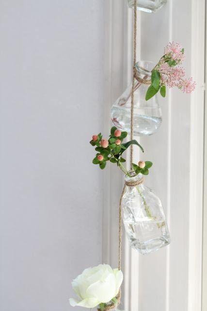 余った花は一輪挿しをつなげて飾る♪ の画像|美的な押し花 カリグラフィー 花生活