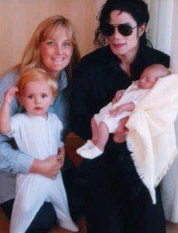 Michael Jackson, Debbie Rowe, Prince Jackson, and Paris Jackson.