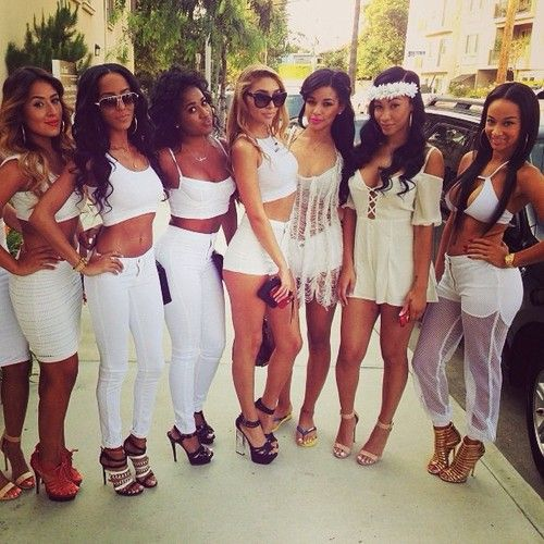 stunning all white outfit black girl