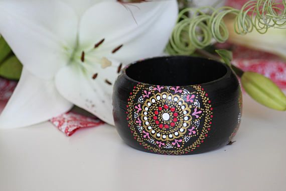 Hand-painted bangle. Handpainted wooden bracelet with point to
