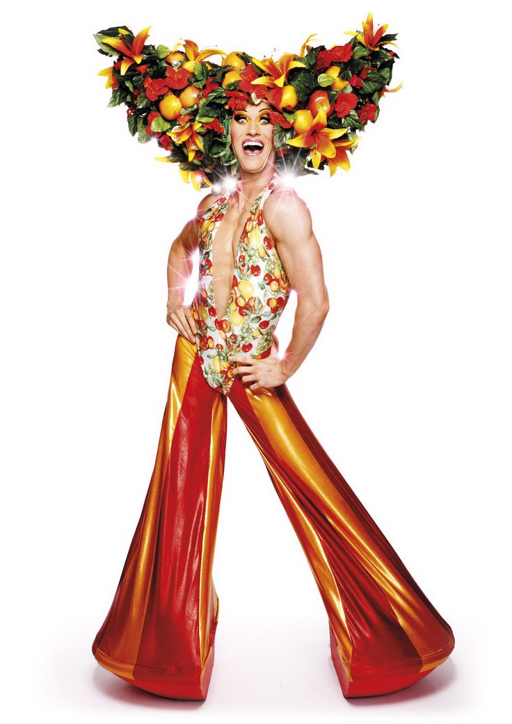 priscilla queen desert essay Tony award winning musical based on the smash-hit movie, priscilla is the story of three friends who hop aboard a battered old bus searching for love and friendship.