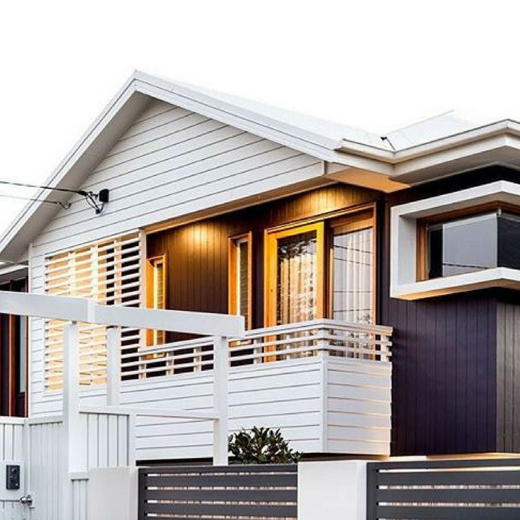 """Award winning home """"The Grange"""" by @kalkahomes. This stunning Brisbane home contrasts vertical and horizontal Scyon in black and white creating a striking contrast of colour and angles.  #australianarchitecture #architecture #exterior #exteriordesign #scyonwalls"""
