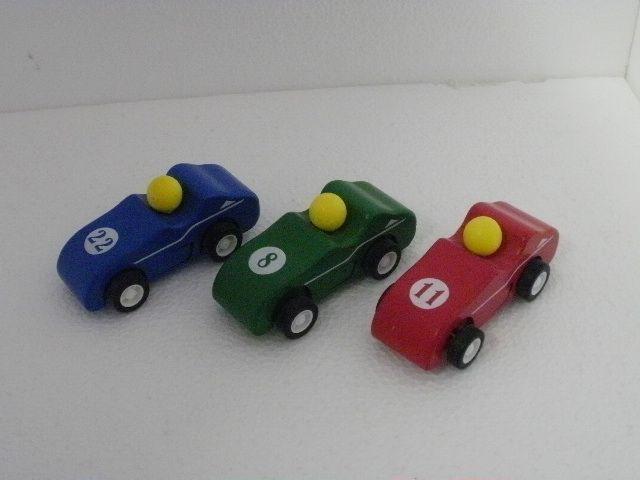 macchine da corsa con retrocarica in legno € 6,00