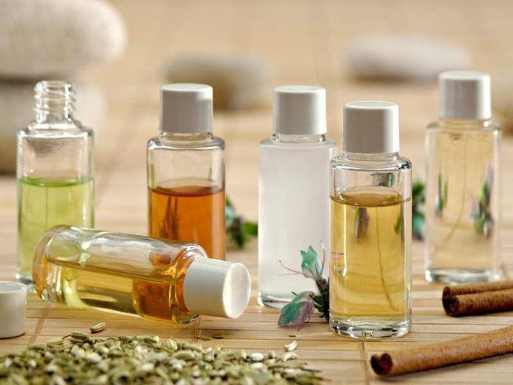 Les vertus de l'huile de ricin pour lutter contre les rides et fortifier les ongles, cils et cheveux
