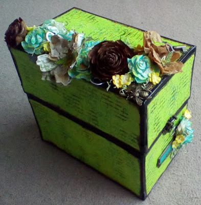 Tag Box by Gemma Hynes #artisticstamper #inkykittty #paperflowers #boxes