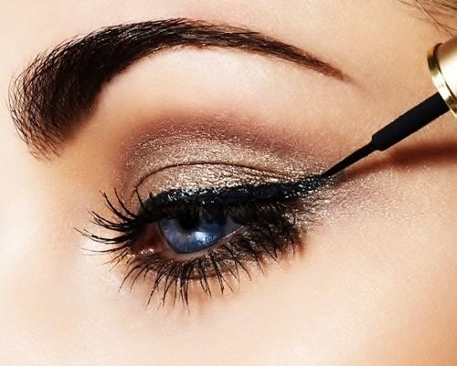 Obsessed with this shimmery smokey eye! // #makeup #beauty