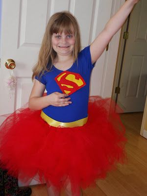 Homemade superhero costume for girls- easy to make with a no-sew tutu!  #DIY #Halloween #Superman